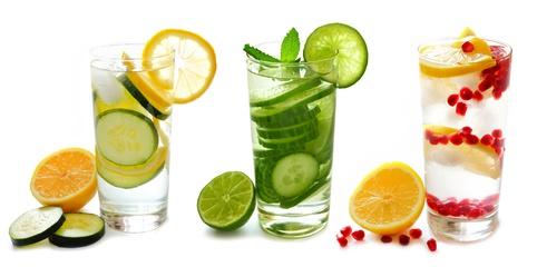 Leckere Ideen für Wasser mit Aroma
